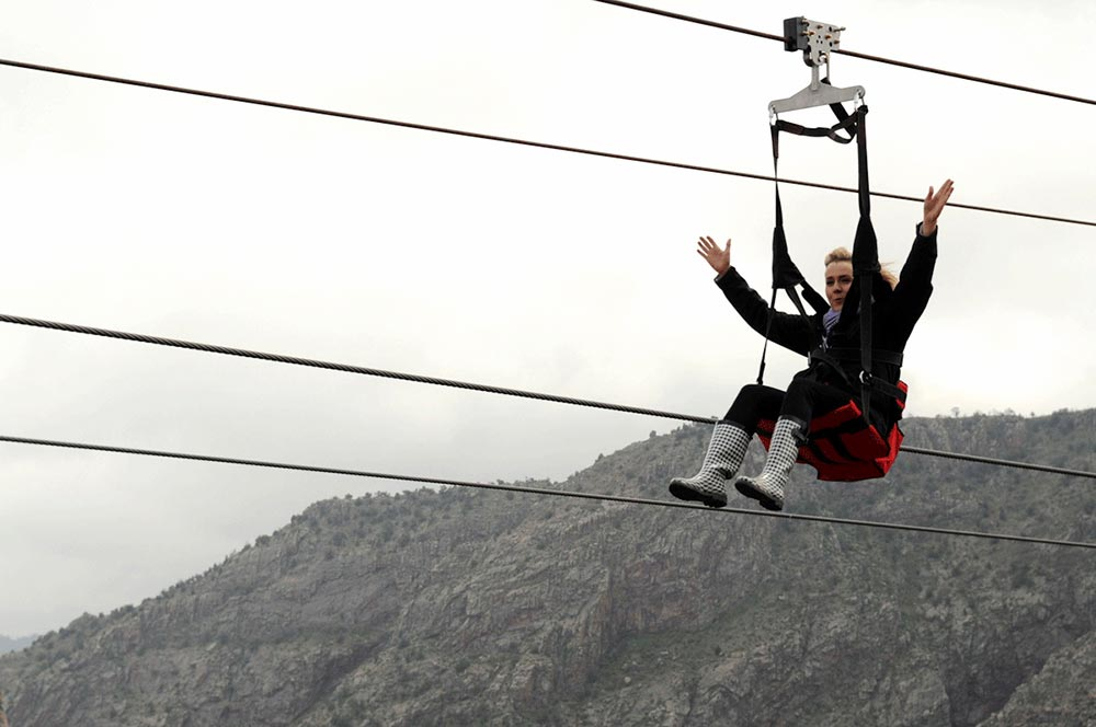 Royal gorge and canon city colorado raft and zipline combo package combine an exciting raft trip in the royal gorge or bighorn canyon with a zipline tour solutioingenieria Images